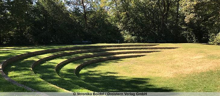 Amphitheater Im Englischen Garten Munchen Online