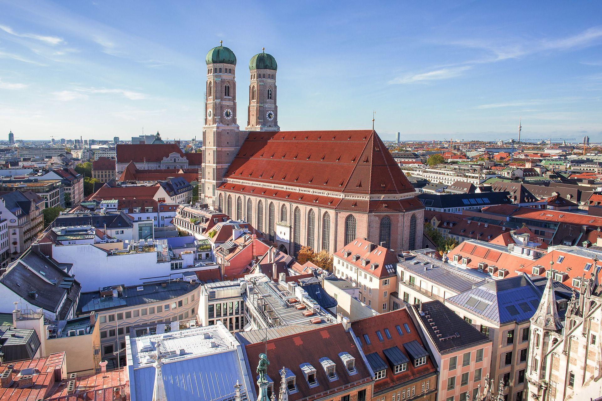 Frauenkirche © designerpoint / pixabay