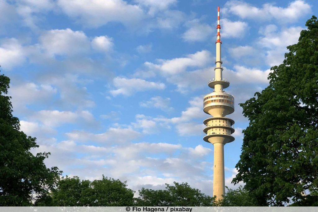 Olympiaturm München, Wochenende