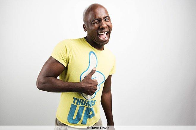 Portrait-Fotografie des Comedians Dave Davis