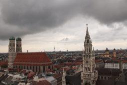 Münchner Wahrzeichen / Frauenkirche und Rathausturm, Indoor